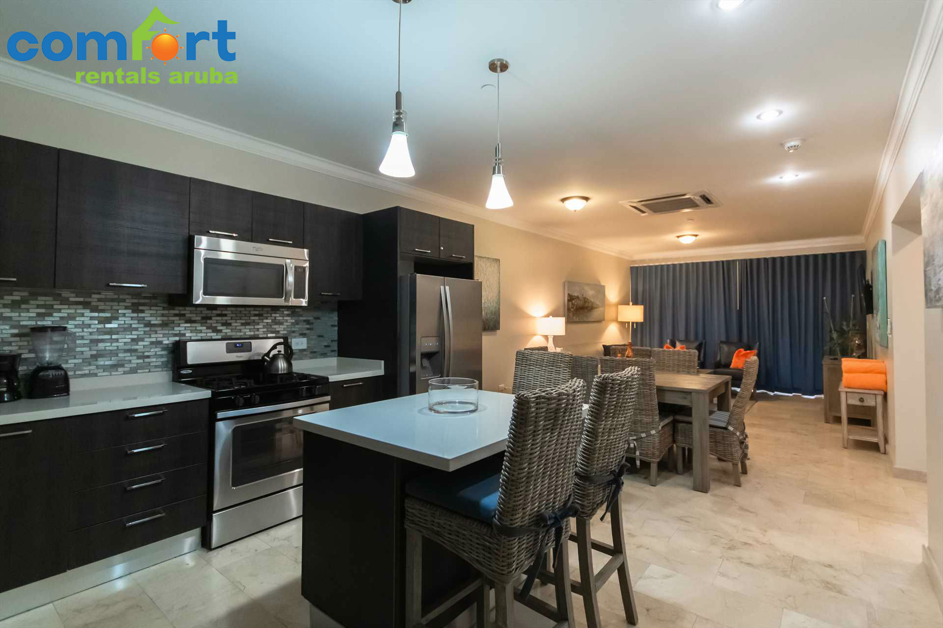 Welcome to the beautiful and spacious Bamboo Palm Two-bedroom condo
